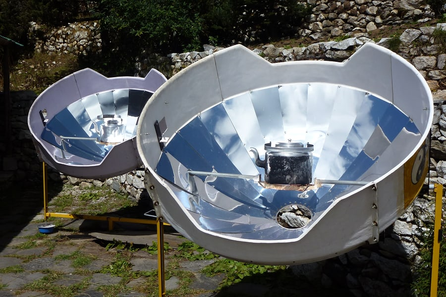 pros cons solar oven cooker